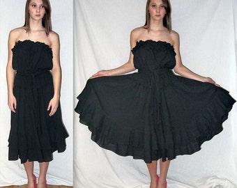 Border run .. vintage 70s strapless dress / 1970s black gauze ruffled / Boho Bohemian gypsy / disco American Hustle full skirt  .. S M