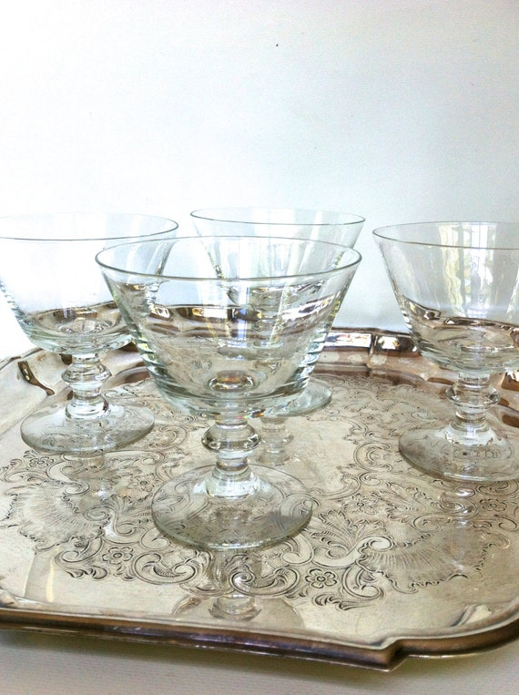 Pedestal Glasses - 4, 8 or 12