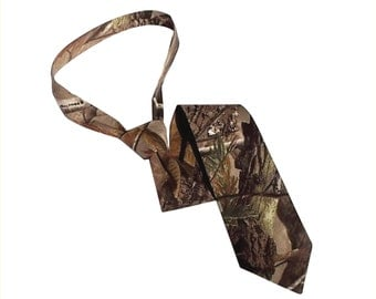 Camo tie. Realtree camouflage neck tie Realtree AP cotton camo necktie custom made to order