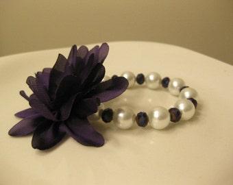 wedding bracelet, pearl bracelet, Set of 4, pearl jewelry, glass pearls, flower girls bracelets, party favor bracelets,birthday party favors