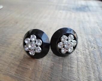 Vintage 1950s 60s Black Plastic Pronged Rhinestone Screw Back Earrings Non Pierced Round Silver Tone