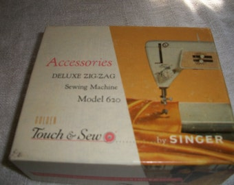 Singer Sewing Machine Touch n Sew  Accessories