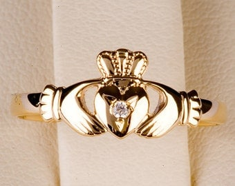 Claddagh Ring in 9ct gold Precious Stone