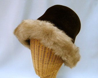 Vintage Ladies Hat Mr. John Chocolate Brown Felt Faux Fur Brim