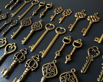 Keys to the Kingdom - 76 x Skeleton Keys, Antique Bronze Skeleton Key, Vintage Keys, Brass Skeleton Keys