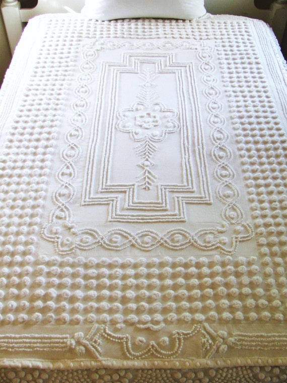 white art deco chenille quilt SOUTH SEA PEARLS 72 X 51 throw quilt blanket minky cottage style shabby chic