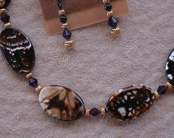 Agate stones necklace and earrings set