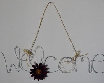 Hanging Outdoor Welcome Sign for Front Door with Purple Daisy Flower and Heart, Wire Art, Wire Word, Housewarming Gift