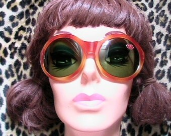Mod 1960s Women Wrap Bug SUNGLASSES - Tortoise & Green Lenses - Made in Italy - Brand New Vintage
