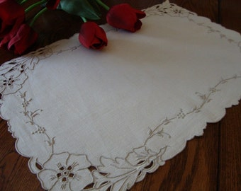 Madeira Linen Doily Tray Liner Antique Place Mat