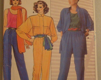 OOP  Butterick Womens Sewing Pattern 6979 size  8-10-12 Uncut