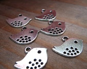 50 Antiqued Silver Bird Charms 16m