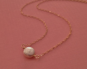 Tiny Pearl Necklace in Gold
