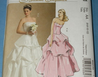 New McCalls  Wedding Gown Sewing Pattern M5321 Size 6-8-10-12