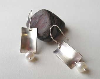 Anticlastic Brushed Silver and Pearl Dangle Earring