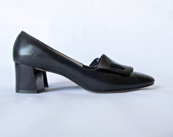 Vintage 60s Shoes . Black Leather Witch Shoes. Size 6.5