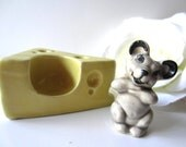 Ceramic Arts Studio Mouse in Cheese Salt and Pepper Shakers