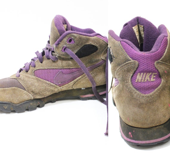 Vintage Retro Women's Nike Hiking Boots Shoes Size 8