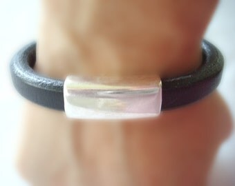 Women's Licorice Leather Bracelet: Free Shipping. Genuine Leather, Silver-Plated Pewter with Magnetic Clasp.