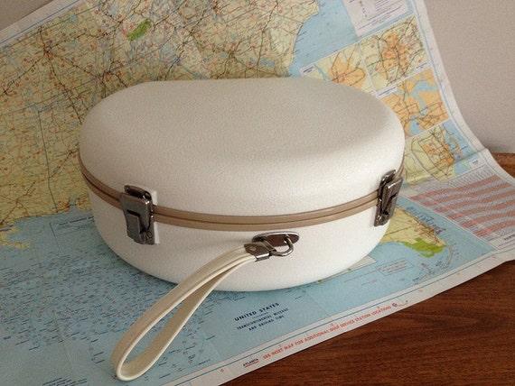 Vintage Round Suitcase Luggage White