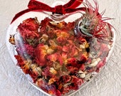 ROSE PETAL HEART terrarium-romantic gift, air plant,valentines day,valentines day gift, gift for her,gift for him,aromatherapy, cool gift