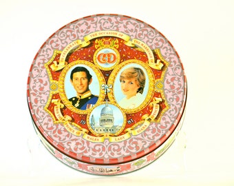 Charles and Diana royal wedding tin 1981