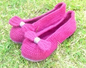 ADULT Crochet PATTERN SLIPPERS House shoes - Big Bow Slippers for Women - Instant Download