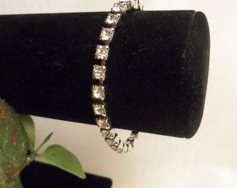 Sale- Women's Sparkling Vintage HIGH END Crystal Rhinestone Bracelet w/ Elegant PUSH In Clasp- Birthday Gift Her Mom Mother Teen Bride's Mum