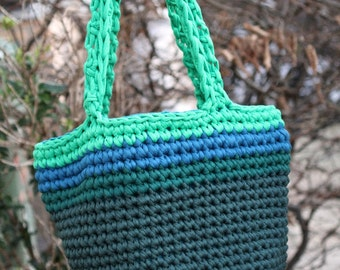 Crochet tote, three shades of green and blue. Stretch cotton, zpagetti, jersey yarn