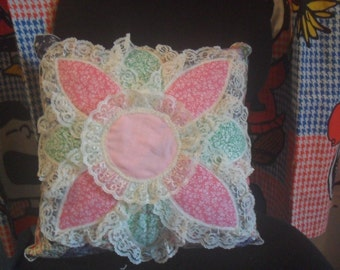 Clearance/Pillow / Pink Flower / White Lace / White Edge / Throw Pillow