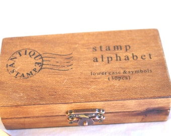 alpHaBeT STaMP SeT---lowercase---in wooden box --30 piece