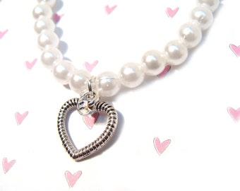 Pretty White  Pearl Stretchy Bracelet with  Lovely Swarovski Heart Charm