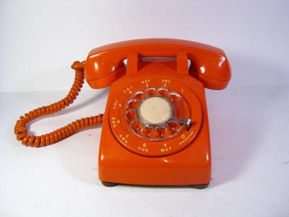 vintage orange rotary dial telephone mod 1970 39 s orange. Black Bedroom Furniture Sets. Home Design Ideas