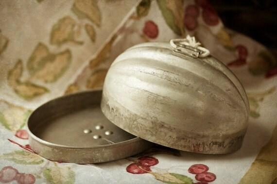 Vintage Aspic Bread Pudding Mold