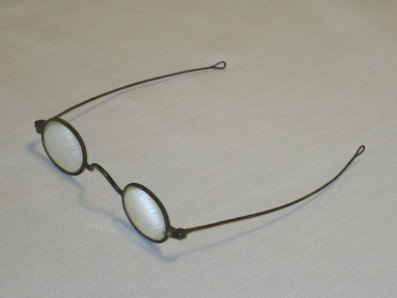 unique oval ben franklin style reading eyeglasses