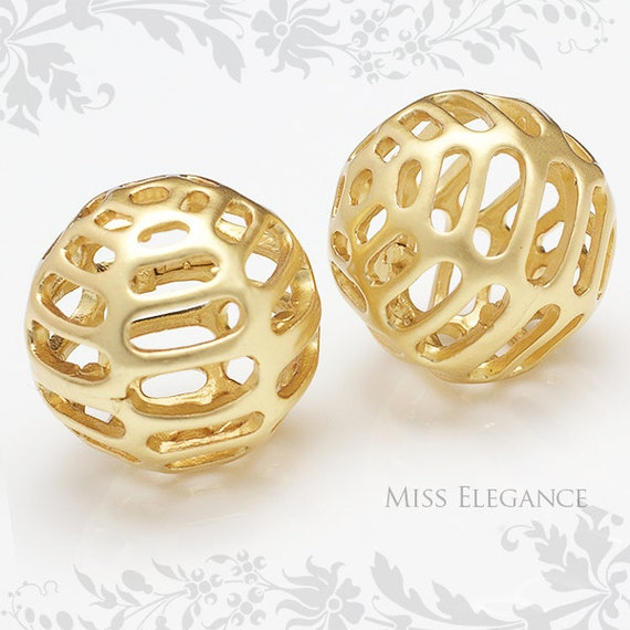 2 Pcs Filigree Carved Beads Metal Spacer Balls Matte Gold