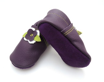 Handmade leather shoes for babies, toddlers and children.  Purple leather soft soled baby shoes.  Booties