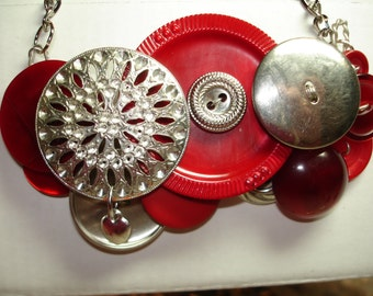 BRAVE HEART -VINTAGE Button Necklace -silver heart dangle -Vintage Buttons -Vintage jewelry -Red - Silver metal buttons - Statement Necklace