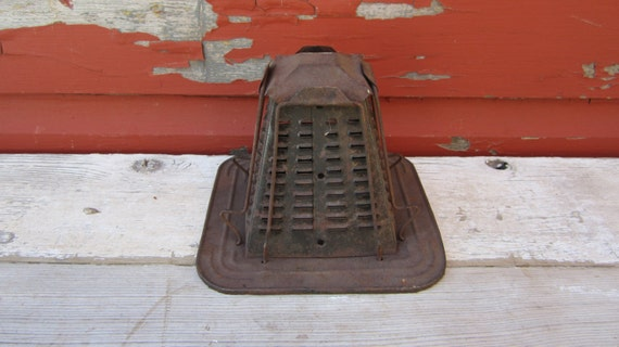 Vintage Tin Campfire Toaster Metal Primitive Rustic Pyramid Toaster