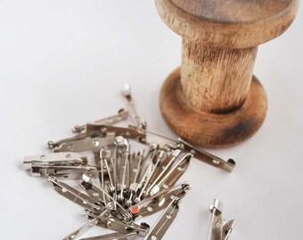 Brooch backs, silvertone, pack of 10, 3cm, brooch pin, brooch bar