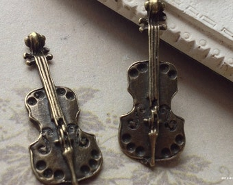11 x 28 mm Antiqued Bronze Violin / Guitar Metal Charm Pendant (.scc)