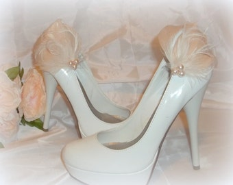 Wedding Bridal Shoe Clips - Champagne and Ivory feathered shoe clips -  wedding shoe clips, womens, brides, accessories