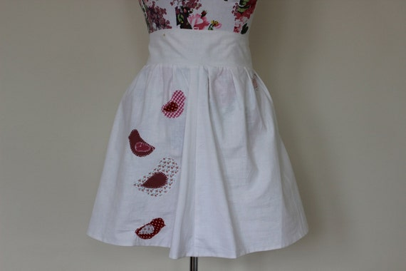 """CLEAR OUT !!! Handmade white high-waisted skirt with applique birds: size UK 10-12 waist 30"""""""