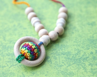 Teething rings nursing necklace with wooden crochet ball, multicolor teething toy.