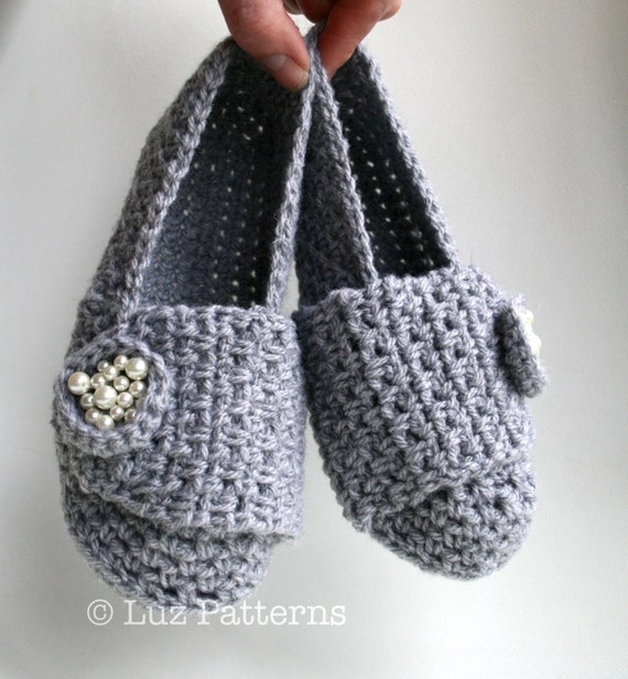 Crochet Patterns Instant download, crochet slipper pattern, shoe pattern, crochet loafer pattern women and girls (130)