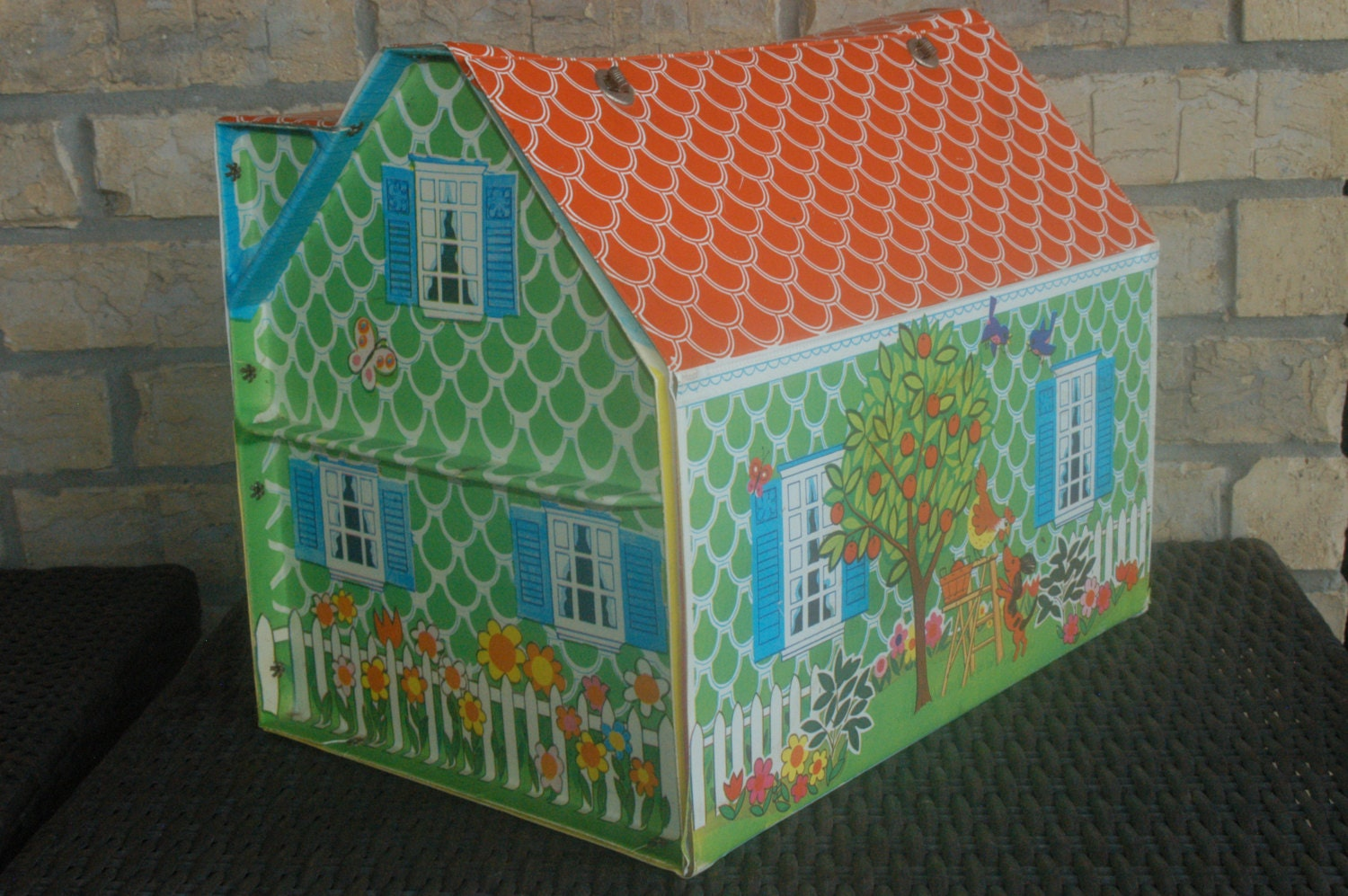 vintage doll house classics cape cod vinyl portable dollhouse