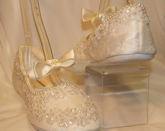 Brides Wedding Ivory Flats Vegan with tie bow straps and small flowers appliqués, mary jane style, comfortable slipper, flowers and pearls