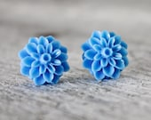 Cornflower blue chrysanthemum earrings - stud earrings - post earrings - blue earrings - bridesmaid earrings - flower studs