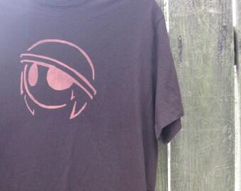 Martian Helmet Design Brown T shirt Mens Size Medium