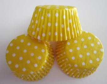 50 Yellow Polka Dot Standard Size Baking Liners